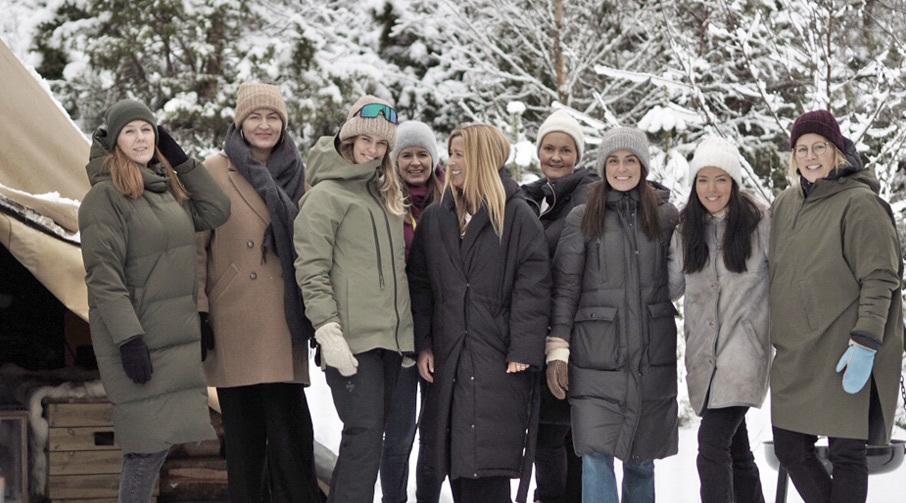 Nansy Nordstrand, Therese Beyer Tomren, Sara Strand, Solveig Maria Drøpping, Yvonne Aarset, Guro Synes, Linn Indrestrand, Marielle Blaalid, Agnete Måseidvåg.